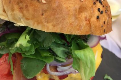 burgeritåe-aigu-pour-choisis-ton-resto-blog-restaurant-geneve-choisis-ton-resto-a-geneve-la-tour-du-Molard-restaurant