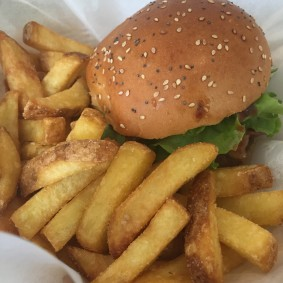 burgerite-aigu-pour-choisis-ton-resto-blog-restaurant-geneve-choisis-ton-resto-a-geneve-Hollycow.plainpalais-restaurant