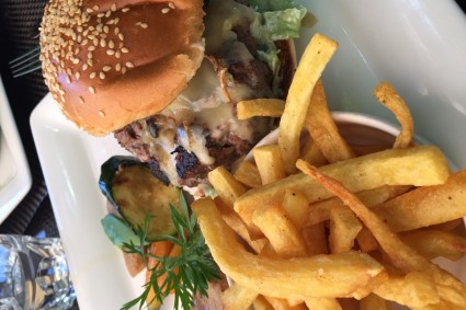 burgerite-aigu-pour-choisis-ton-resto-blog-restaurant-geneve-choisis-ton-resto-a-geneve-le-café-papon-restaurant