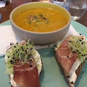 avocado-toast-au-banc-d'essai-choisis-ton-resto-bllog-restaurant-genève-suisse