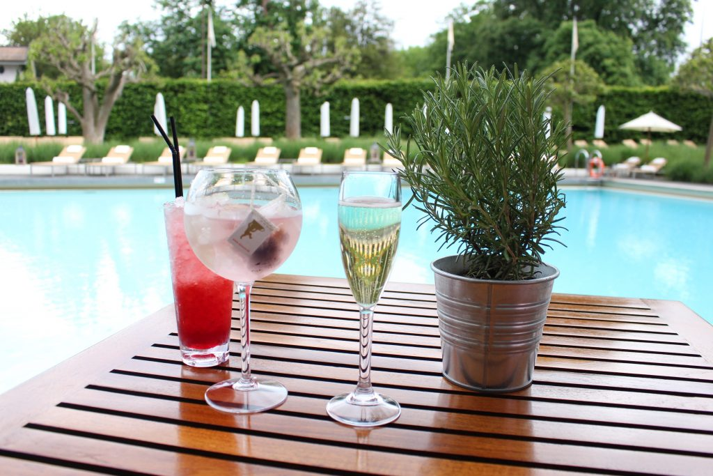 BBQ, piscine et cocktail à l'Intercontinental Geneva