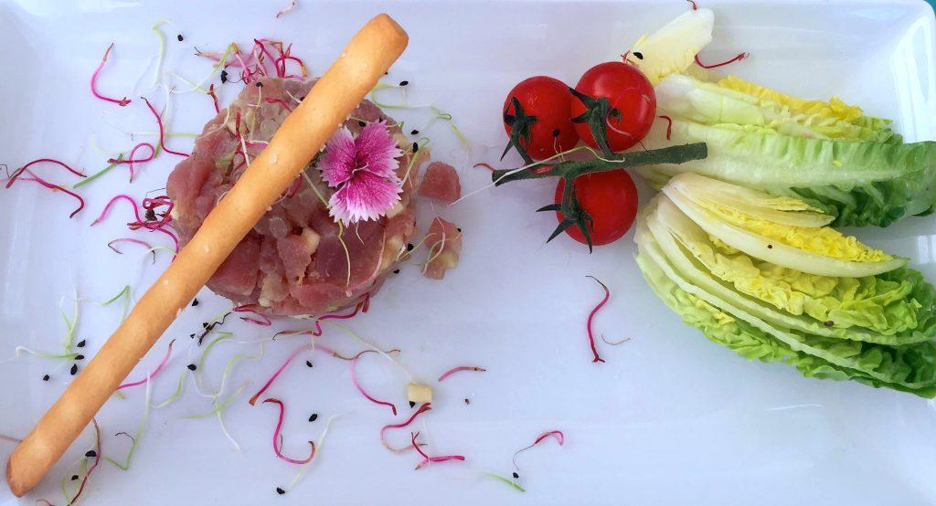 saint-tropez-hot-spot-blog- suisse-restaurant-genève-choisis-ton-resto-12- lieux-ne-pas-manquer