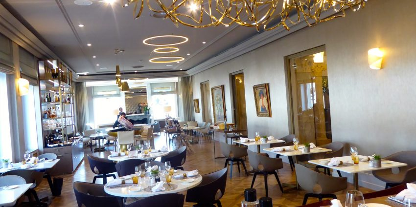 living-room-bar-and-kitchen-hotel-de-la-paix-blog-suisse-genève-choisis-ton-resto