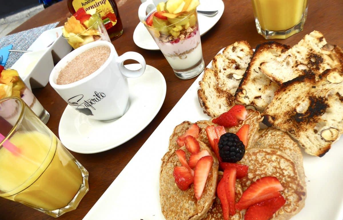 Let 39 s brunch avec together et caf coutume gen ve for Ambiance cuisine geneve