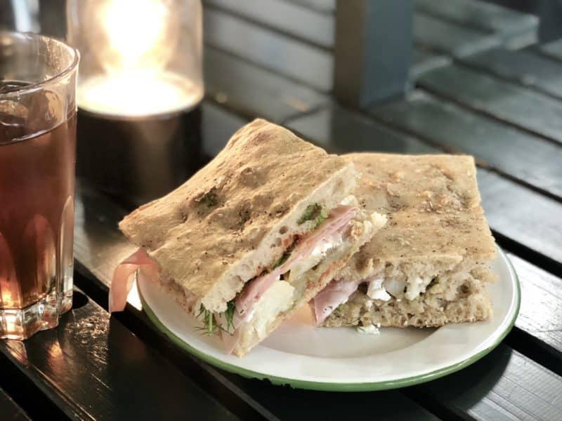 fougasse-tabouret-bar-genève-blog-restaurant-choisis-ton-resto-suisse